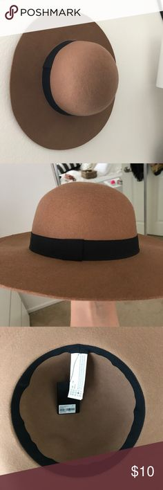 Brown circle felt hat Dress up any daytime outfit with this basic but cute hat Forever 21 Accessories Hats