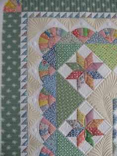 Love the quilting. Vintage Moments by Marsha McCloskey..