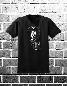 Microphone x ilovegraffiti. Puedes comprarla en: http://www.ilovegraffiti.es/producto/microphone-x-ilovegraffiti/