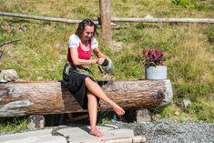 Ich liebe den Sport und die Bewegung in der freien Natur und das Training, zwischen Bergen und Seen, ist der schönste Ansporn. Im Almliesl Team sorge ich für deine optimale Urlaubsberatung und den reibungslosen Buchungsablauf. Seen, Firewood, Sport, Winter Vacations, Summer Recipes, Love, Nature, Nice Asses, Woodburning