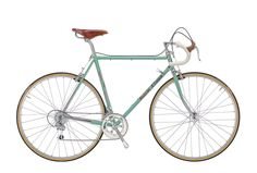 Lugged steel frame, classic styled Campagnolo. The stunning 2016 Bianchi L'Eroica - Campagnolo Compact road bike from Wheelies