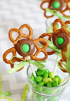 Shamrock Pretzel Pops and St. Patrick's Day Food Ideas for Kids and Adults.