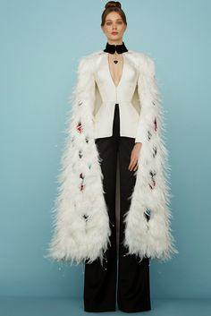 Ulyana Sergeenko Parigi - Haute Couture Spring Summer 2015 - Shows - Vogue. Style Haute Couture, Couture Looks, Spring Couture, Couture Fashion, Runway Fashion, Beauty And Fashion, Live Fashion, Fashion Week, Spring Fashion