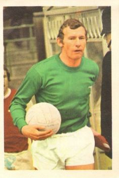 015 - Bob Wilson (Arsenal) - One-time Wolves amateur goalkeeper who had a spell in similar status with the club before signing professionally in March 1964. Recovered from a broken arm during 1969-70 to regain the place he consolidated in 1968-69. Ht. 6ft 0.5in. Wt. 13.0.
