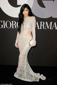 Kendall and Kylie Jenner smoulder beside Khloe Kardashian at Grammys #dailymail