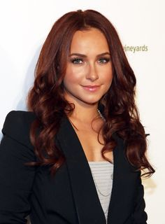#TBT to 2010 when Hayden Panettiere sported deep red hair!
