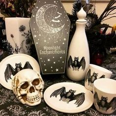 Halloween Decor- got to figure out how to do this Halloween House, Holidays Halloween, Halloween Fun, Halloween Decorations, Halloween Kitchen, Horror Decor, Goth Home Decor, Gothic House, Gothic Room