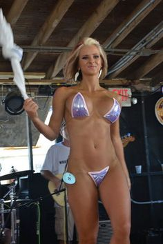 Looks hot circuit girl bikini contest big