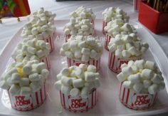 Look at the Popcorn Cupcakes - we did a circus themed party for my daughter's birthday. Look at the Popcorn Cupcakes - we did a circus themed party for my daughter's birthday. Popcorn Cupcakes, Love Cupcakes, Cupcake Cookies, Circus Cupcakes, Themed Cupcakes, Marshmallow Cupcakes, Marshmallow Popcorn, Diy Cupcake, Cupcake Ideas