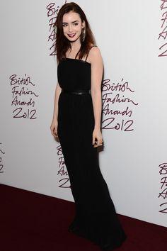 La alfombra roja de los British Fashion Awards 2012: Lily Collins de Mulberry
