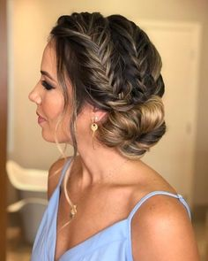 Homecoming Hairstyles The sophisticated and simple long hairstyles for prom are here.Homecoming Hairstyles The sophisticated and simple long hairstyles for prom are here. Prom Hairstyles For Long Hair, Dance Hairstyles, Homecoming Hairstyles, Braided Hairstyles, Wedding Hairstyles, Graduation Hairstyles, Elegant Hairstyles, African Hairstyles, Semi Formal Hairstyles