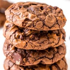 These Brownie Cookies are made from an adapted brownie box mix and are loaded with chocolate chips! They have a crisp outer edge and chewy fudge center just like a classic brownie! Box Brownies, Brownie Cookies, No Bake Cookies, Pumpkin Pie Recipes, Cookie Recipes, Candy Recipes, Dessert Recipes, Chicken Coconut Soup, Thai Chicken