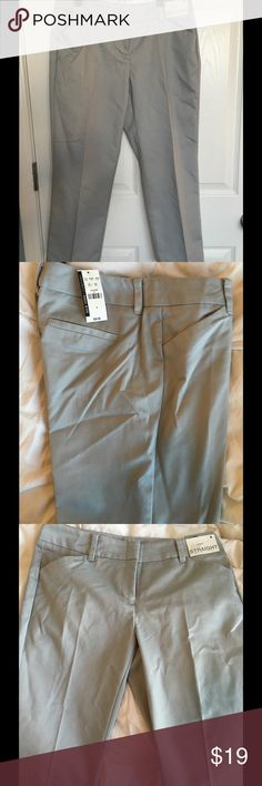 NWT straight leg crop capris These gray crop straight leg capris are great for work with a pair of heels or a casual dinner w a pair of flats! New York & Company Pants Capris