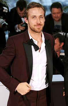 """Ryan Gosling at Cannes, """"Honey, you look tired. Let's go to my room and I'll rub your.uh, back. Style Ryan Gosling, Celebrity Crush, Celebrity Photos, Salvatore Ferragamo, Ryan Thomas, Male Fitness Models, Cute Actors, Portraits, Celebs"""