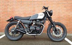Yamaha XJ400 'Dirt Black' - Aniba Motorcycles - Inazuma Cafe Racer