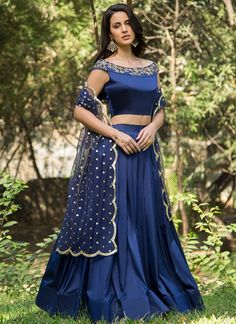 Royal Blue and Gold Embroidered Off Shoulder Lehenga relationship wants / royal blue dress for wedding / royal blue wedding dress / blue wedding dress royal / royal blue wedding Choli Designs, Sari Blouse Designs, Fancy Blouse Designs, Lehenga Designs, Stylish Blouse Design, Stylish Dress Designs, Stylish Dresses, Lehnga Dress, Lehenga Blouse