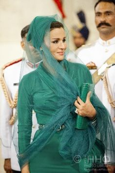 This woman's style is so amazing... Sheikha Mozah Bint Nasser Al-Missned