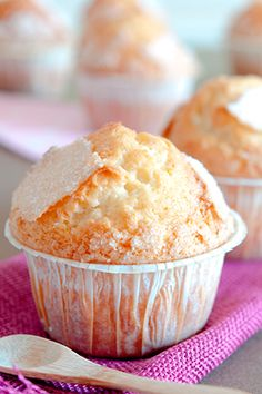 Cupcakes cream, a classic pastry Muffin Recipes, Cupcake Recipes, Cupcake Cakes, Dessert Recipes, Pan Dulce, Mexican Food Recipes, Sweet Recipes, Light Recipes, Cake Cookies
