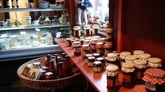 Dansjö Gårdsbutik, Dansjö Gård AB har ett brett utbud av nötköttsvaror från den egna gården blandat med massor av ostar, sylt, honung och mycket mer. Foton - Google+