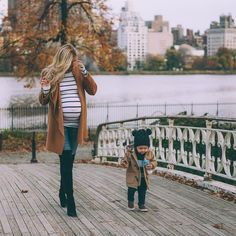 Having a stylish pregnant look may be a challenge. Here are some top pregnant moms-to-be of 2015 for you to get inspiration. Maternity Style, Fall Maternity Fashion, Maternity Looks, Fall Maternity Photos, Maternity Coat, Maternity Wardrobe, Pregnancy Wardrobe, Fall Pregnancy Outfits, Stylish Pregnancy