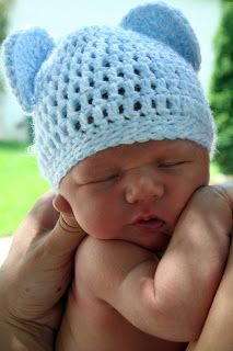 Crochet Newborn Bear Hat: free easy pattern  (Could adjust pattern to be a Minnie or Mickey Mouse Hat)