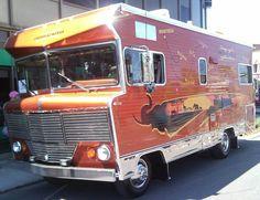 Tricked out Winnebago motorhome. Bus Motorhome, Vintage Motorhome, Vintage Rv, Vintage Caravans, Camper Trailers, Camper Van, Vintage Campers, Travel Trailers, Vintage Trailers