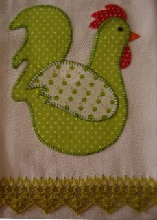 Rooster applique and crochet edging on kitchen towel Inspiration Applique Templates, Applique Patterns, Applique Designs, Quilt Patterns, Sewing Patterns, Applique Towels, Applique Quilts, Embroidery Applique, Machine Embroidery