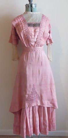 Edwardian era dress, ca 1910s - pink cotton silk