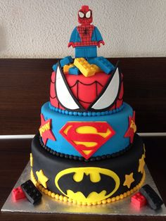We Want This Cake For Our Birthday. This Marvel Themes Cake Fits The Spiderman Article on Froot.nl Perfectly. - Froot.nl