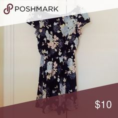 Cute and classy sundress!!! Floral patterned sun dress! Like new! Dresses Mini