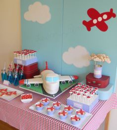 Airplane birthday party or Airplane baby shower idea Boy Birthday Parties, Birthday Fun, Birthday Ideas, Cake Birthday, Baby Shower Avion, Boy Shower, Airplane Birthday Cakes, Airplane Party Food, Airplane Cupcakes