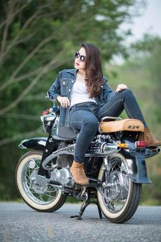 Trendy Ideas For Motorcycle For Women Biker Girl Motors Cute Girl Photo, Girl Photo Poses, Girl Poses, Stylish Girls Photos, Stylish Girl Pic, Boudoir, Biker Chick, Biker Girl, Lady Biker