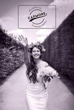 Wenn Ihr eine ganz besondere #Hochzeit plant und einen #Hochzeitsfotografen sucht, der Eure magischen Momente treffsicher einfängt und stilvoll aufbereitet... schaut auf meiner Homepage vorbei oder kontaktiert mich unverbindlich!  Capmore Photography - Capture More! Crown, Wedding Dresses, Photography, Fashion, Photos, Photo Dream, Animal Photography, Portrait Photography, Addiction