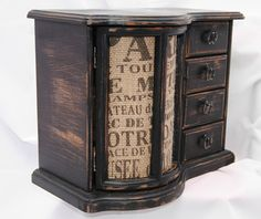 Adorable shabby chic jewelry box