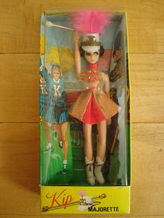 Kip Majorette Dawn Doll by Topper. I absolutely adored spinning that little silver baton in her hand. Vintage Girls, Vintage Barbie, Vintage Toys, Childhood Toys, Childhood Memories, Doll Toys, Barbie Dolls, Dawn Dolls, Little Doll