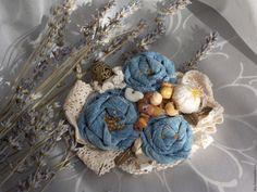 Купить Брошь джинс-беж с натуральными камнями - брошь, бохо, подарок, текстильная брошь