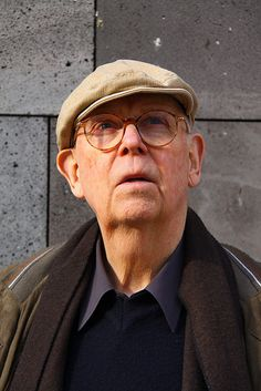 Claes Oldenburg...    Artist Claes Oldenburg visiting MUMOK Vienna to plan his exhibition 2011.