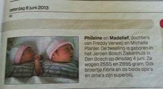 De tweeling Phileine en Madelief Verweij in het A.D. van 8 juni 2013