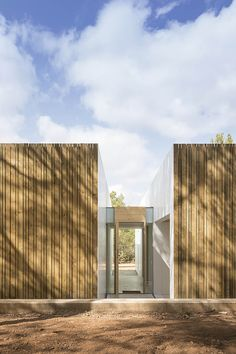 Ca l'Amo - Marià Castelló · Architecture Building Process, Stone Cladding Exterior, Dry Stone, Mountain Modern, Cottage Farmhouse, Contemporary Architecture, Contemporary Homes, Detached House, New Homes