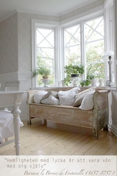 Swedish Decor Inspiration for Small Apartment - The Urban Interior - Maria H. - Swedish Decor Inspiration for Small Apartment - The Urban Interior - Cottage Shabby Chic, Home Interior, Interior Design, Swedish Decor, Vibeke Design, White Rooms, Shabby Chic Furniture, Wood Furniture, Small Apartments