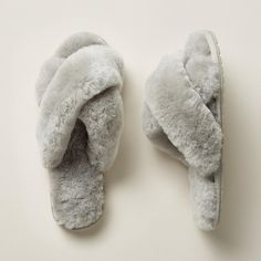 You're one step away from complete bliss with these luxuriously soft 'Mayberry' slippers by EMU Australia? with pillowy shearling and sturdy, rubber soles. Whole sizes 6 to Fade Styles, Resort Wear, Petite Fashion, Suede Shoes, Hippie Style, Wool Felt, Emu, Bliss