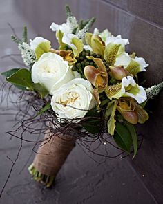 Birds nest inspired bouquet