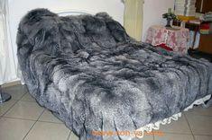 Fur Bedding, Fur Accessories, Fur Blanket, Fur Throw, Vintage Fur, Soft Blankets, Room Rugs, Cool Rooms, Fox Fur