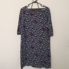 Lilly Pulitzer Sz L navy anchor cotton dress Adorable, like-new Lilly cotton dress with ft. pink and white anchors, quarter-length sleeves. Size large, worn twice. *NO TRADES* Lilly Pulitzer Dresses