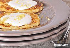 Syrniki - orosz túrópalacsinta | NOSALTY Proof Of The Pudding, Waffles, Pancakes, Food Inspiration, Clean Eating, Food Porn, Sweets, Snacks, Baking