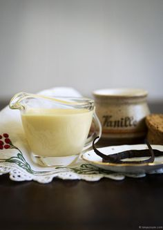 vanilla-custard-thermomix_tanya-zouev Custard with cream and milk. A runny custard Baby Food Recipes, Sweet Recipes, Dessert Recipes, Cooking Recipes, Dessert Sauces, Vanilla Sauce, Vanilla Custard, Vanilla Beans, Chutneys