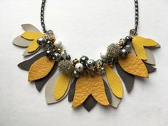 Colier statement Blossom Yellow Fantasy Diva Fashion, Lifestyle Blog, Necklaces, Urban, Fantasy, Yellow, Metal, Shopping, Jewelry