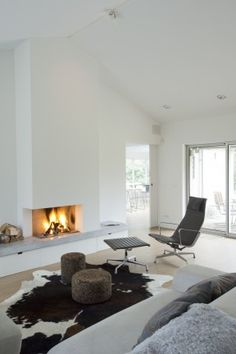Looks really nice with clean modern lines, please see our full range of Wood burning fireboxes www.jandrhill.co.uk*