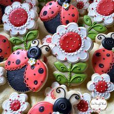 Happy flowers and ladybugs 🌷
