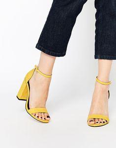2c695a17edde2 48 meilleures images du tableau Chaussures   Shoe boots, Clothes et ...